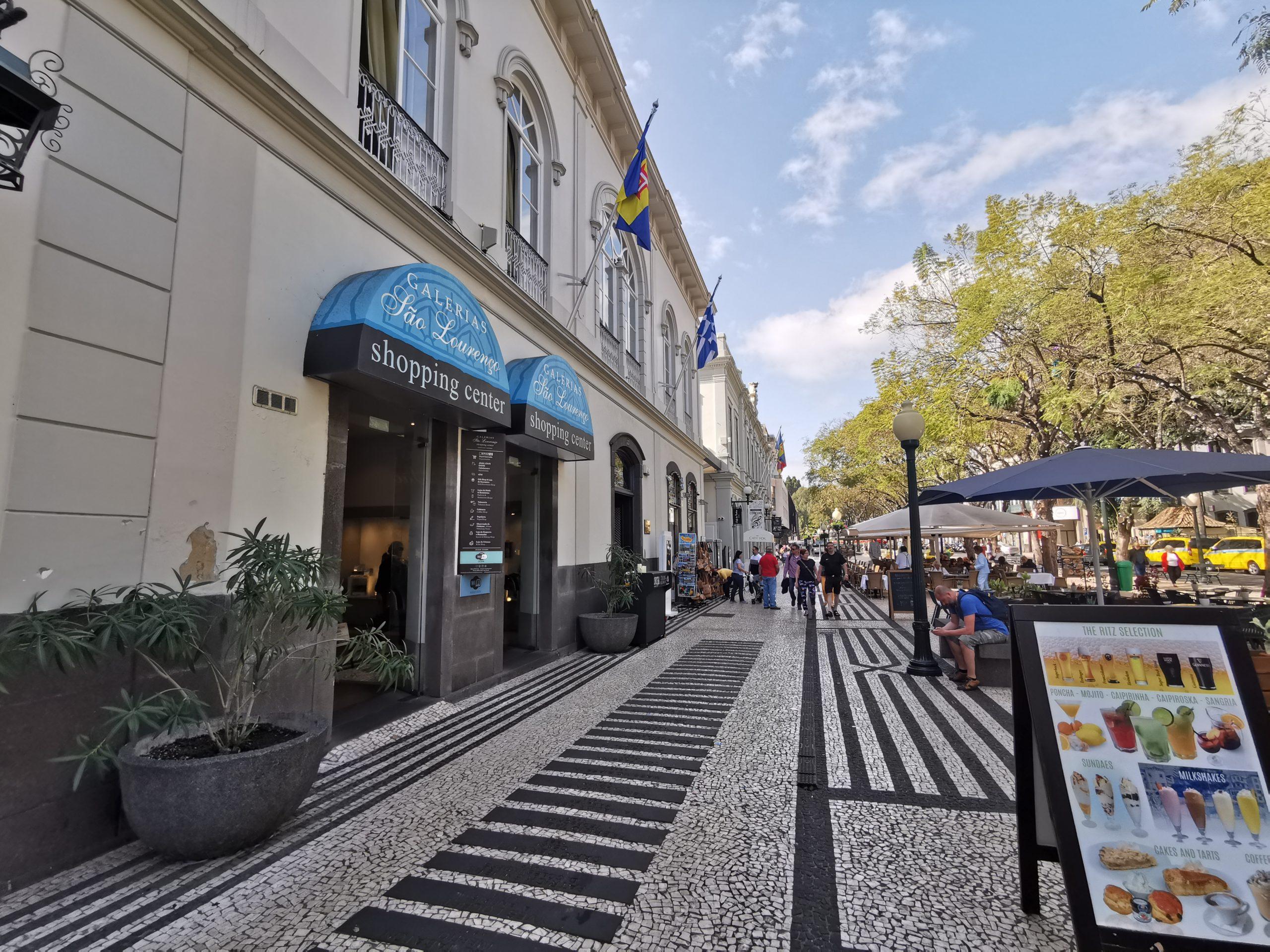 Galerias São Lourenço - Entrada da Avenida Arriaga